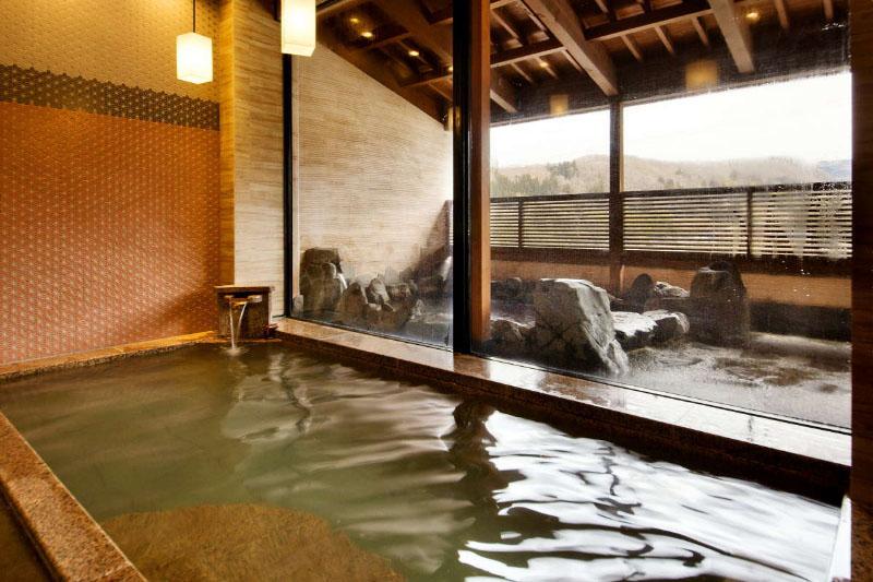 「金澤湯涌温泉 百楽荘」の大浴場