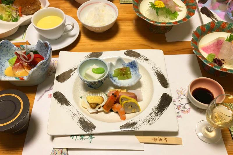 「竹楽亭」の食事処は完全個室