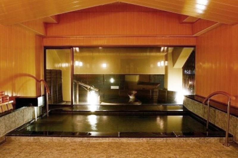 目の前は海!「恵比寿屋」の大浴場