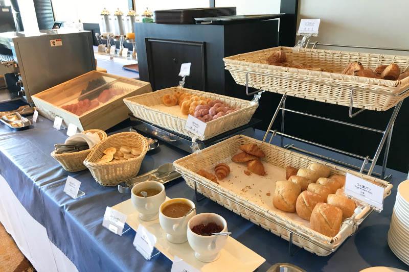 ホテルモントレ沖縄 朝食