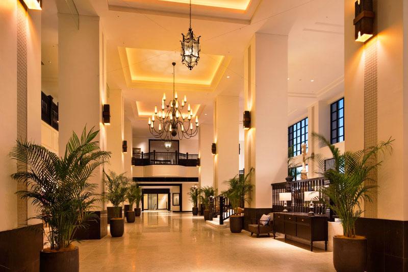 「ホテルモントレ沖縄」の館内はキレイで広々