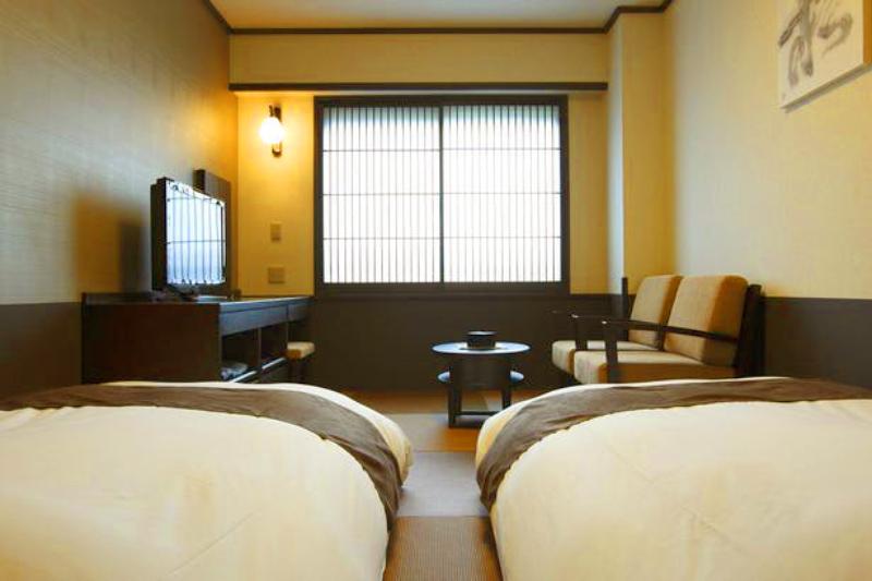 「お宿 木の葉」のローベッドがある客室