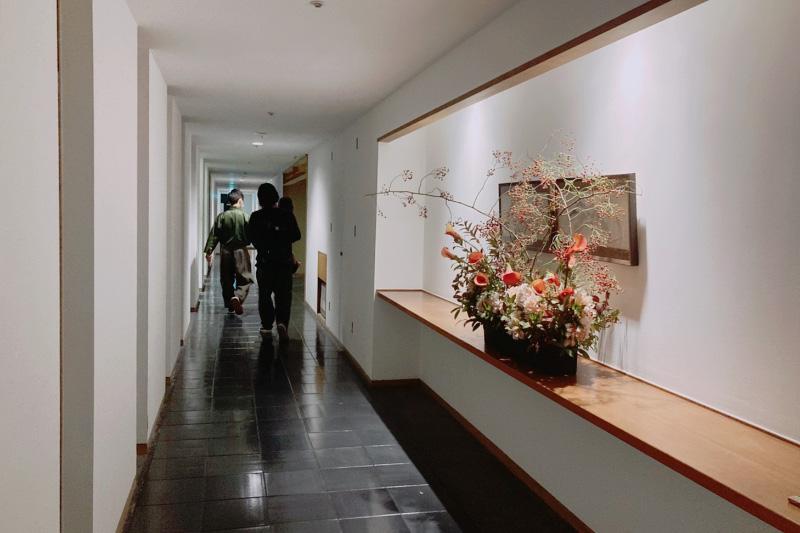 「強羅花壇」の広々とした館内
